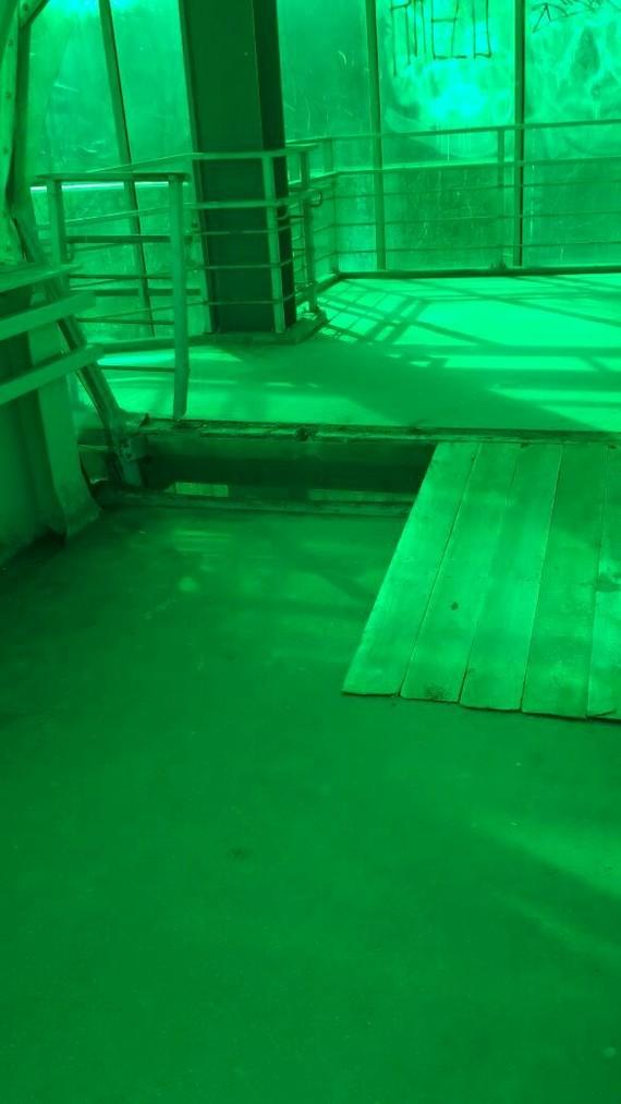 В Красногорске КАМАЗ с поднятым кузовом повредил пешеходный мост Мост, Авария, В Красногорске, Опасность, Длиннопост