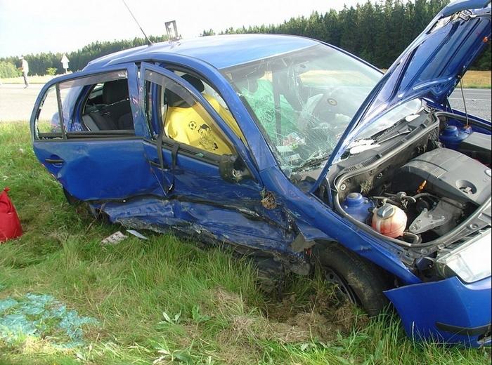 Нету в Чехии страшнее авто - Шкода Фабия! Чехия, Фабия зла, Юмор, Авария, Курьез, Ferrari, Длиннопост