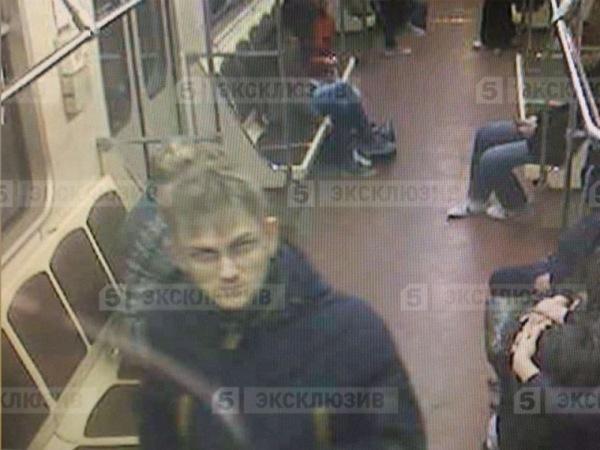 Видео секс в метро бедный мужик