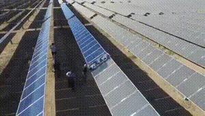 Мойка солнечных панелей.