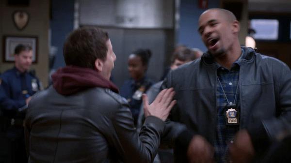 NBC купил права на«Бруклин 9-9» у FOX Сериалы, Телевидение, Лиса, Nbc, Бруклин 9-9, Brooklyn 99, Twitter, Текст, Гифка, Длиннопост