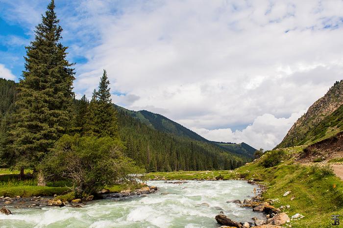 В ущельях Иссык-Кульских гор Иссык-Куль, Кыргызстан, Река, Ущелье, Горы, Тянь-Шань, Путешествия, Средняя Азия