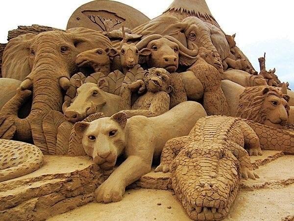 Невероятный песчаный арт!