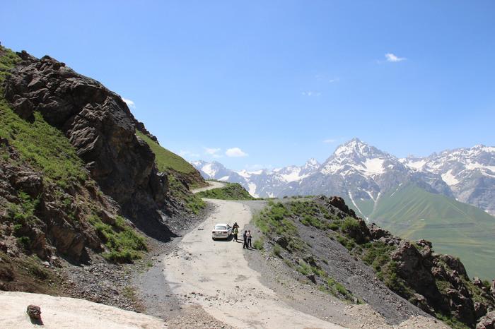 фото перевала в таджикистане утро нежная