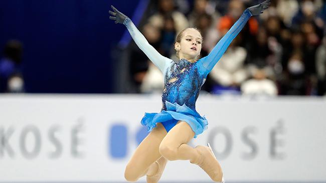 Самые красивые гимнастки россии моют свою пизду, волосатая пизда фотографии толстухи