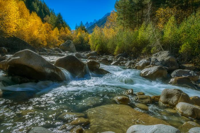 Осень в ущелье Адыр-Су