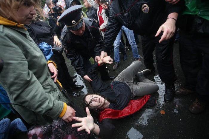 Митинг 9/09, фото дня Митинг, Полиция, Недоверие, Спасите, Алексей Навальный