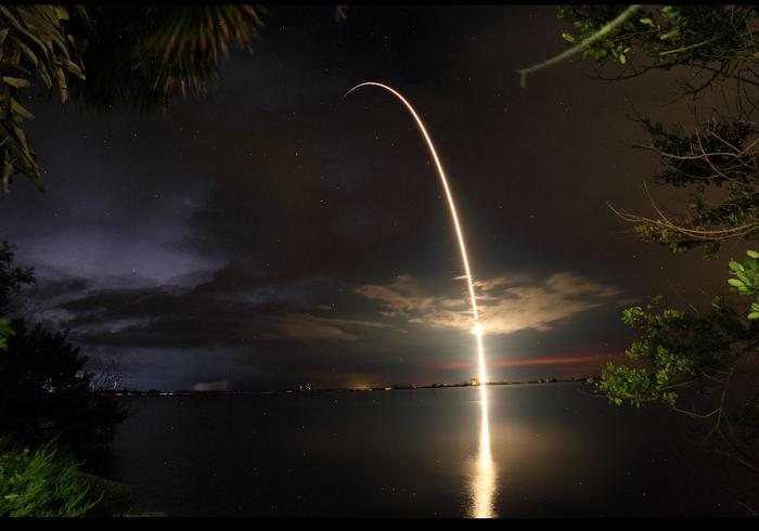 Запуск Telstar18v ракетой Falcon Reddit, Spacex, Спутник