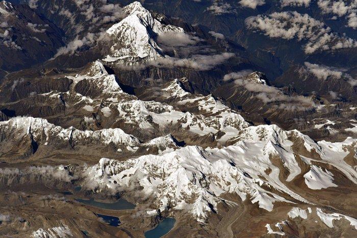 Космонавт Олег Артемьев опубликовал космический снимок самой высокой точки Земли Космос, МКС, Эверест, Фотография