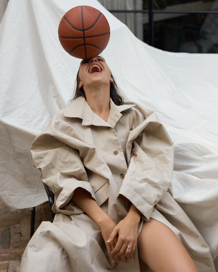 «У меня много талантов...» Галь Гадот, Мяч, Актриса, Фотография