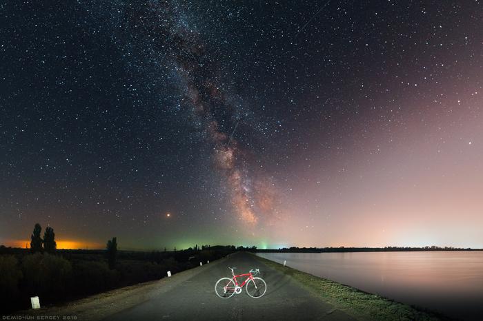 Млечный путь над дамбой Красинского водохранилища. Nikon D610 | Samyang 14mm