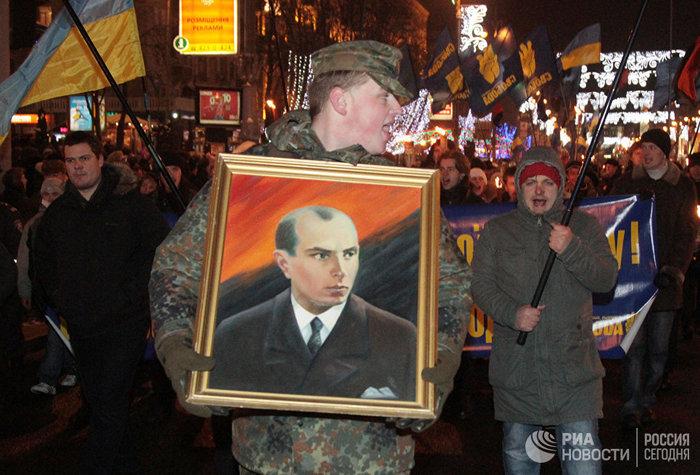 В Киеве допустили возвращение на Украину праха Бандеры Украина, Украинский нацизм, Политика