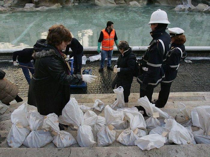 Фонтан Треви, из которого вылавливают миллионы евро Интересное, Длиннопост, Общество, Фотография