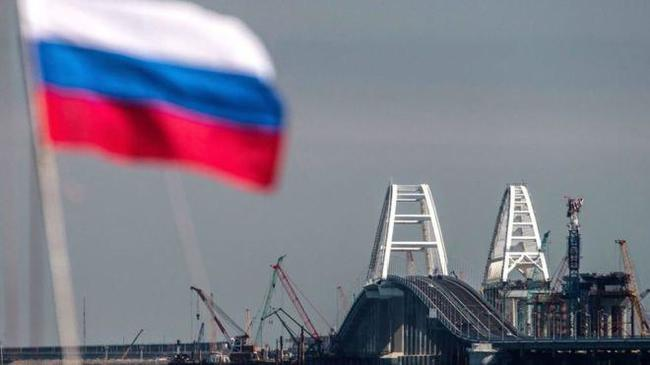 Между прочим, при расчете статистических показателей России, МВФ включает Крым в свои доклады уже с 2015 года. Политика, Россия, Крым, Украина, Зрада
