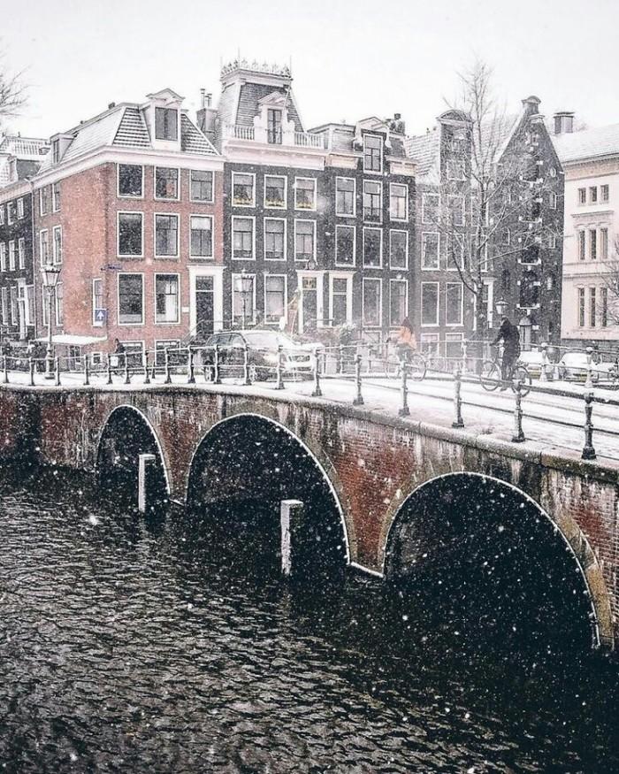 Заснеженный Амстердам