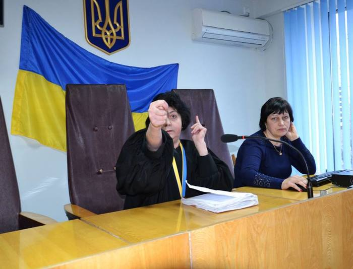 Закон честь и достоинство Украина, Суд, Судья, Геральдика, Адвокат, Юмор, Скриншот, Facebook, Длиннопост