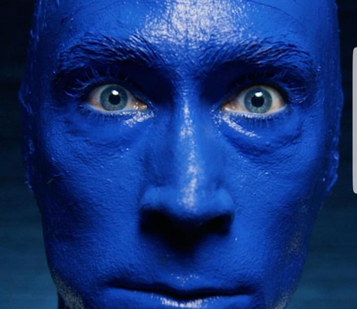 Путин. Цвет настроения синий.