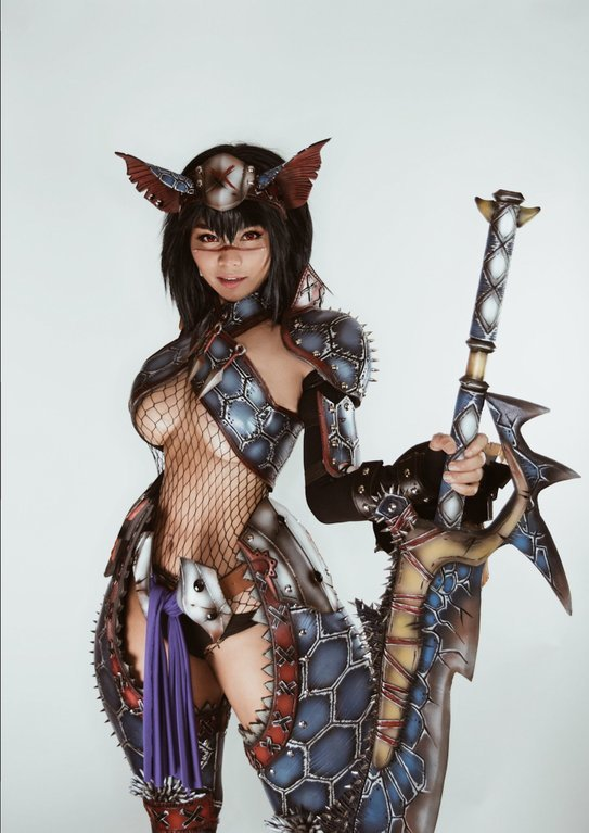Nargacuga Armor из игры Monster Hunter. Косплеер Otohime Nami. Косплей, Monster Hunter