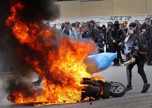 """Реми Майснер: Про """"эффективность"""" французских протестов. Часть 1. Реми Майснер, Желтые жилеты, Забастовка, Франция, Классовая борьба, Длиннопост, Протесты во Франции, Политика"""