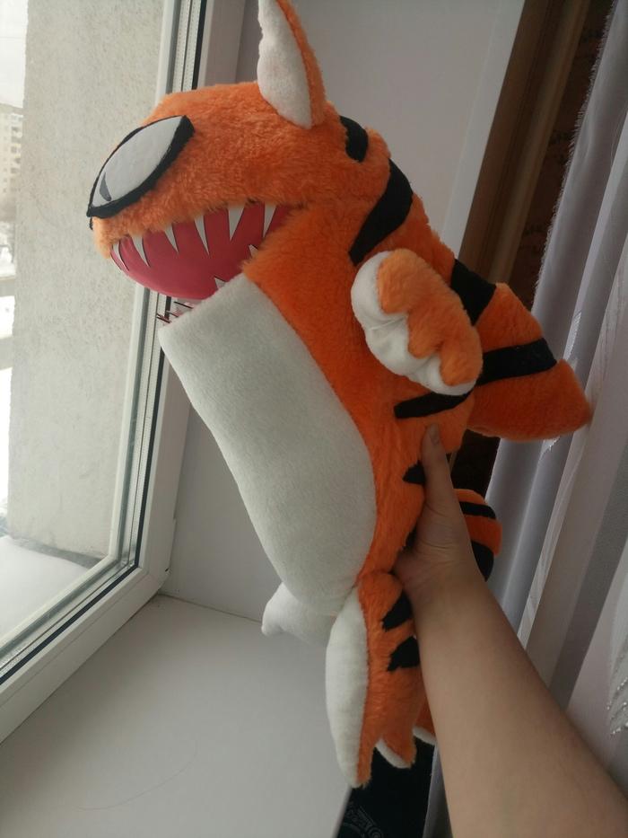 """Когда понял буквально название """"тигровая акула"""".... Плюшевый монстрик из Don't Starve Shipwrecked Рукоделие без процесса, Dont Starve, Мягкая игрушка, Акула, Ручная работа, Шитье, Длиннопост"""