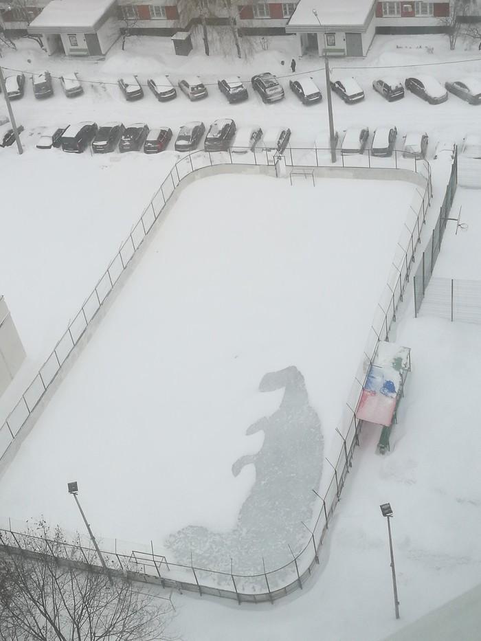 Метель динозавра нарисовала. Москва. Ново-Переделкино)