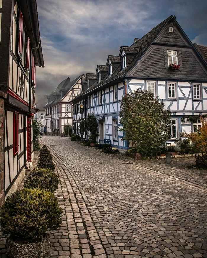 Эльтвилле-ам-Райн, Германия.