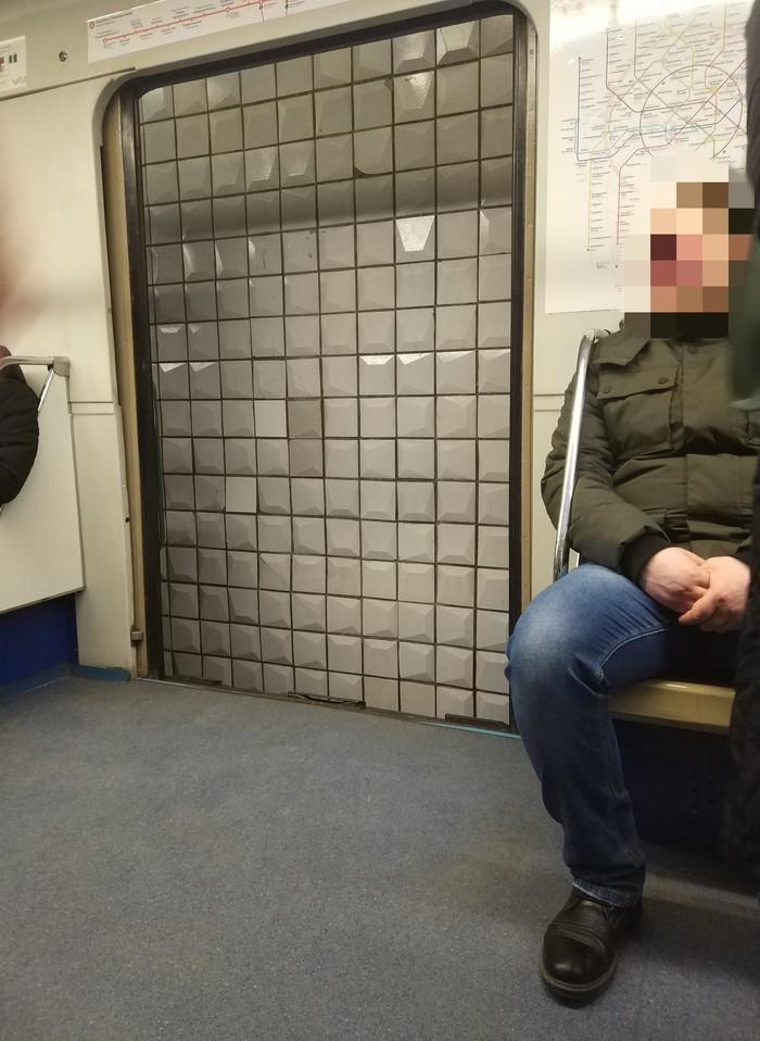 """""""не прислоняться"""" Фотография, Метро, Москва"""