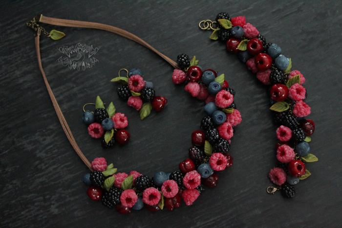 Ягоды ягоды ягоды ягоды(Колье, браслет, серьги) Полимерная глина, Украшения, 8 марта