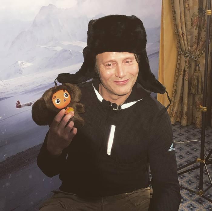Мадс Миккельсен приехал в Москву на премьеру фильма «Затерянные во льдах» Фотография, Мадс Миккельсен, Затерянные во льдах, Премьера в Москве, Чебурашка в опасности