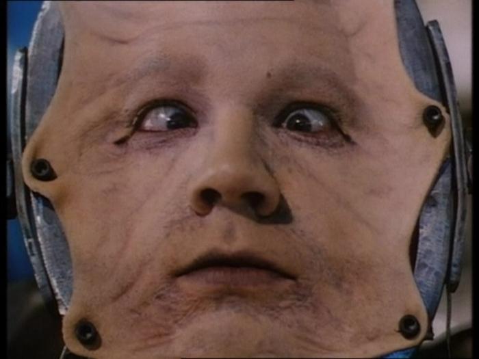 """Советую посмотреть: """"Когда умирает мозг"""" (Brain Dead, 1990) Психологический триллер, Фильмы ужасов, Фильмы, Что посмотреть, Brain Dead, Мертвый мозг, Артхаус, Длиннопост"""