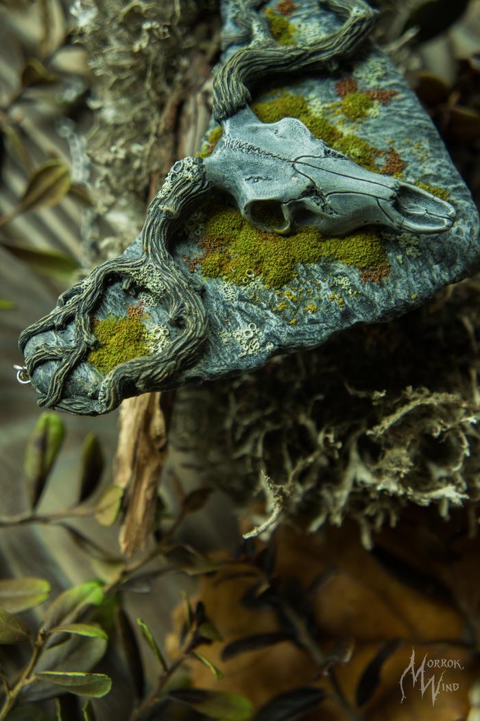 Крупная мшисто-каменистая  подвеска .Полимерная глина, тонирован пастелью. Череп, Окаменелости, Полимерная глина, Длиннопост, Украшения из полимерной глины, Рукоделие без процесса, Мох