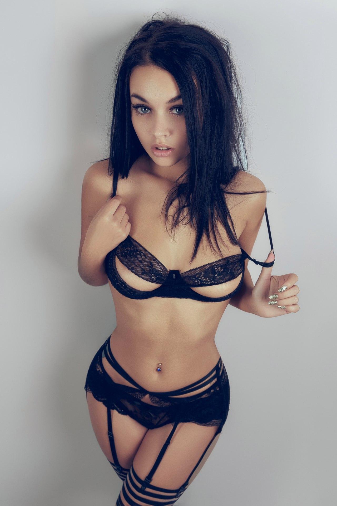 Очень сексуальная девушка грудь