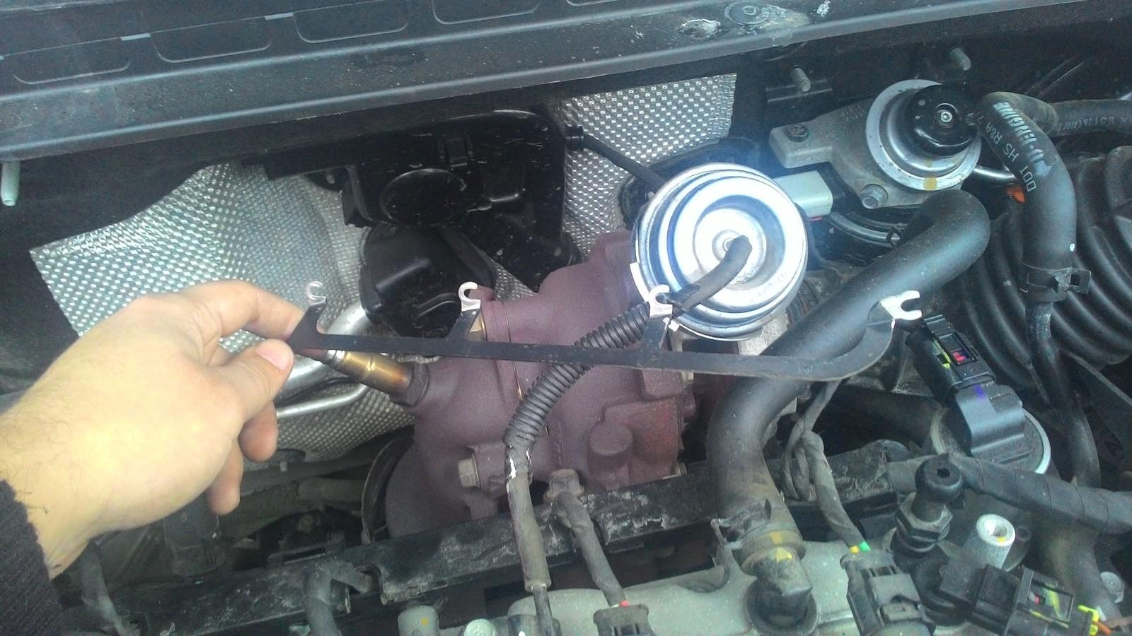 hyundai двигатель 1.6 crdi где свечи