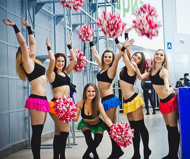 Девушку из группы поддержки трахнул хоккеист, русская ебля в попу смотреть онлайн