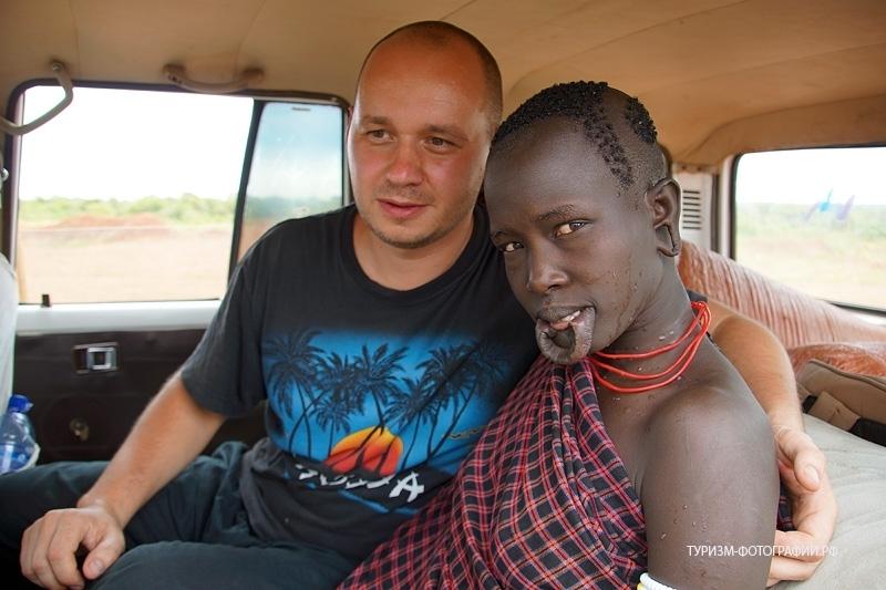 seks-film-afrikanskie-plemena-ebutsya-popu-lizhut