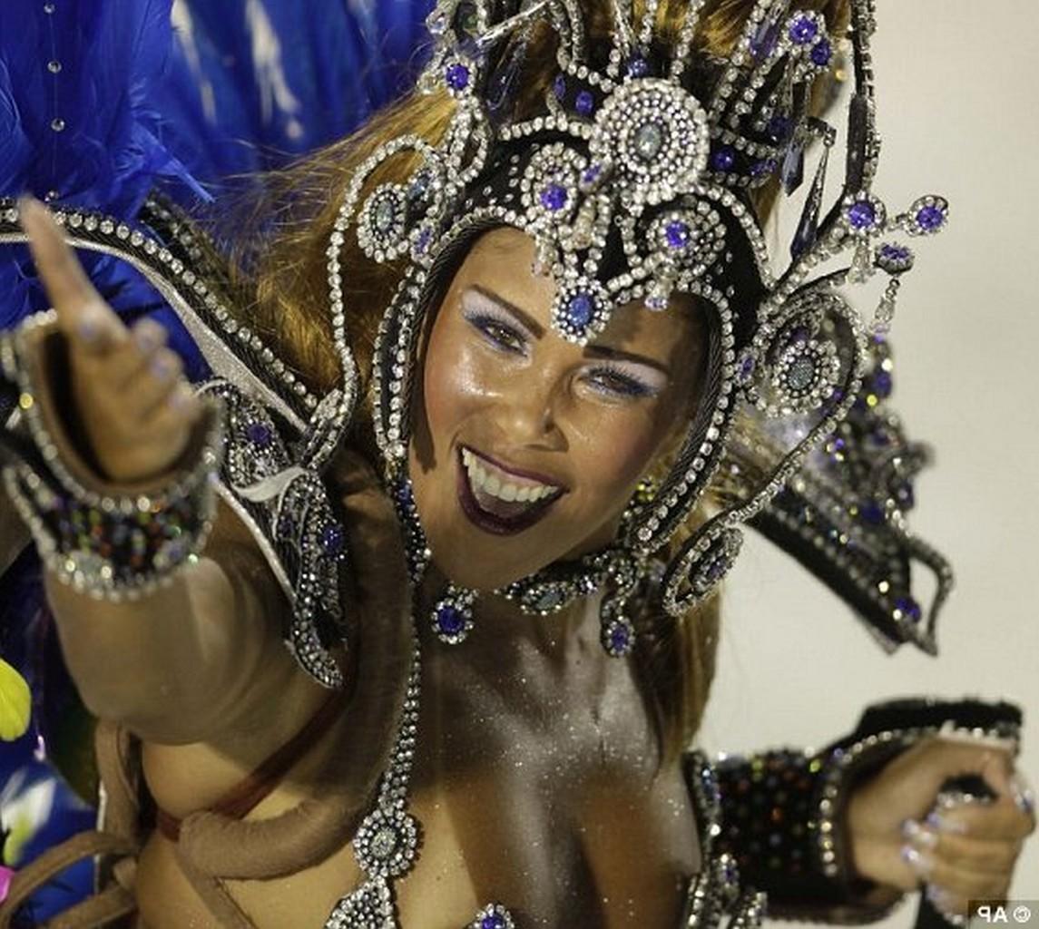 Откровенное видео бразильского карнавала — photo 8