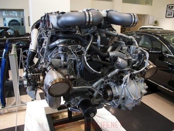 бугатти вейрон фото двигатель