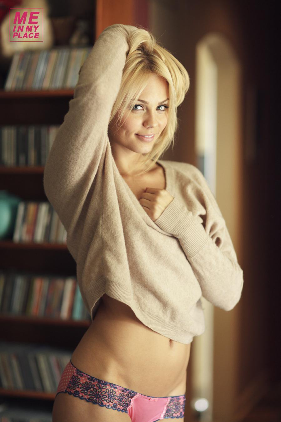 Порно-каталог актрис лаура орсоля, трахнул подругу в красных трусиках в попку без ее согласия