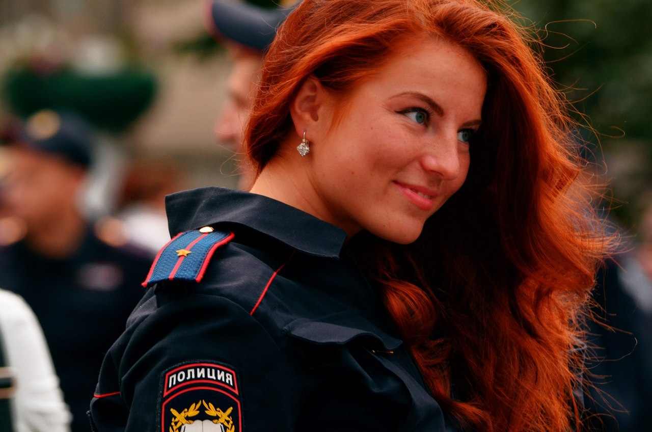 Картинки девушки в форме полиции