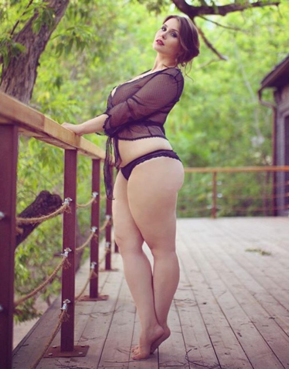 erotika-foto-pishnaya-zakazat-prostitutku-na-noch