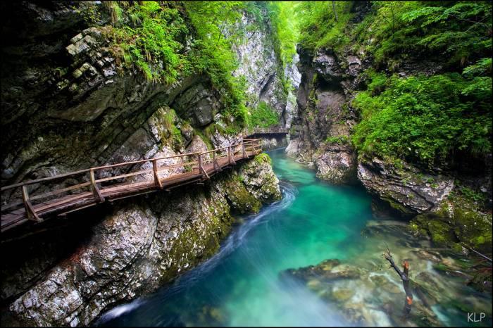 Автобусный тур в Адыгею в страну гор и водопадов !