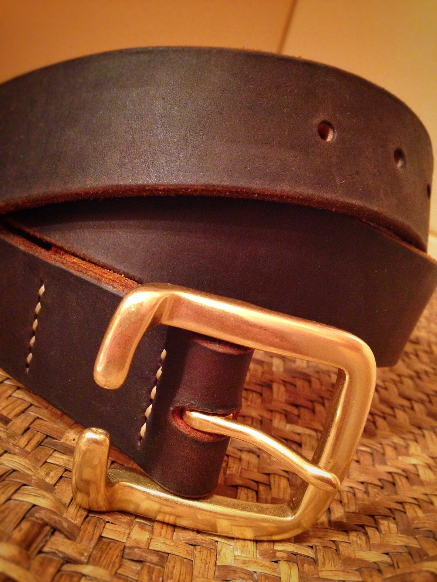 Ремень с толстой пряжкой купить в спб недорого мужской кожаный ремень в