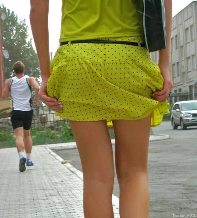 Мини юбки фото снизу