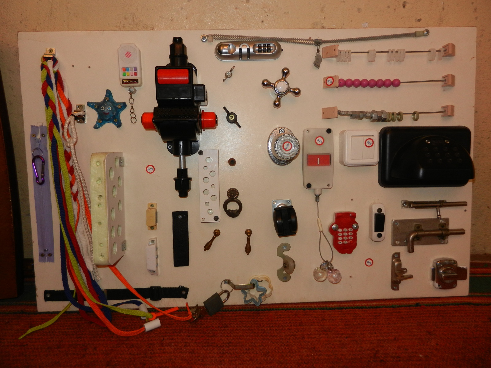 Доска с выключателями для детей своими руками фото