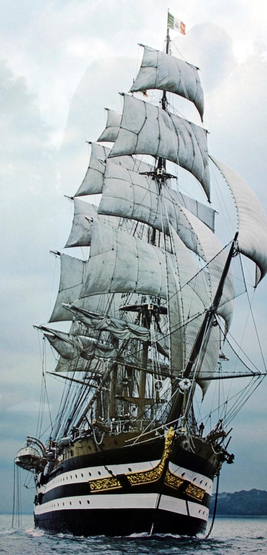 фото красивого парусного корабля