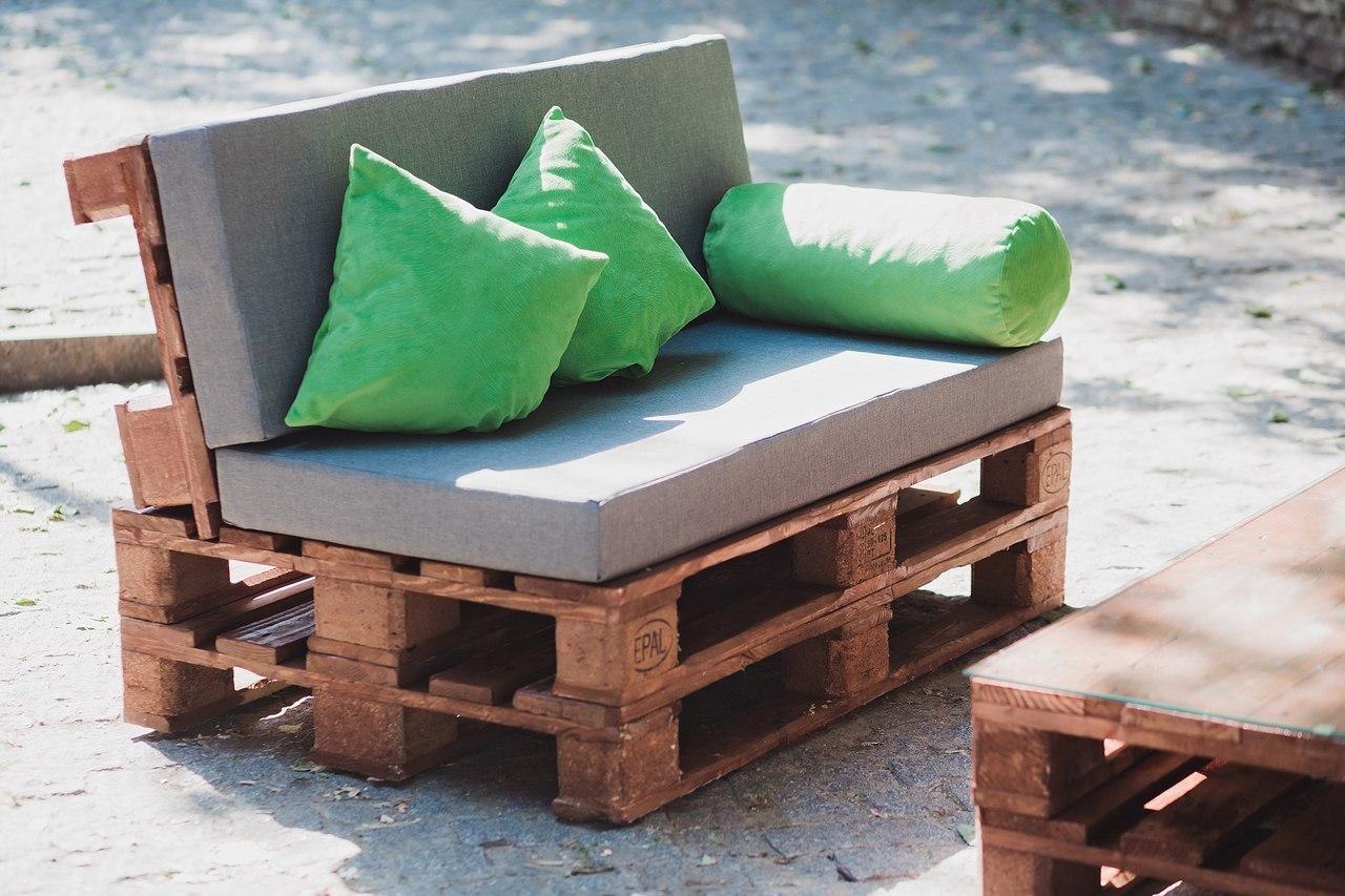 Делаем дизайнерский стол из палет (поддонов)