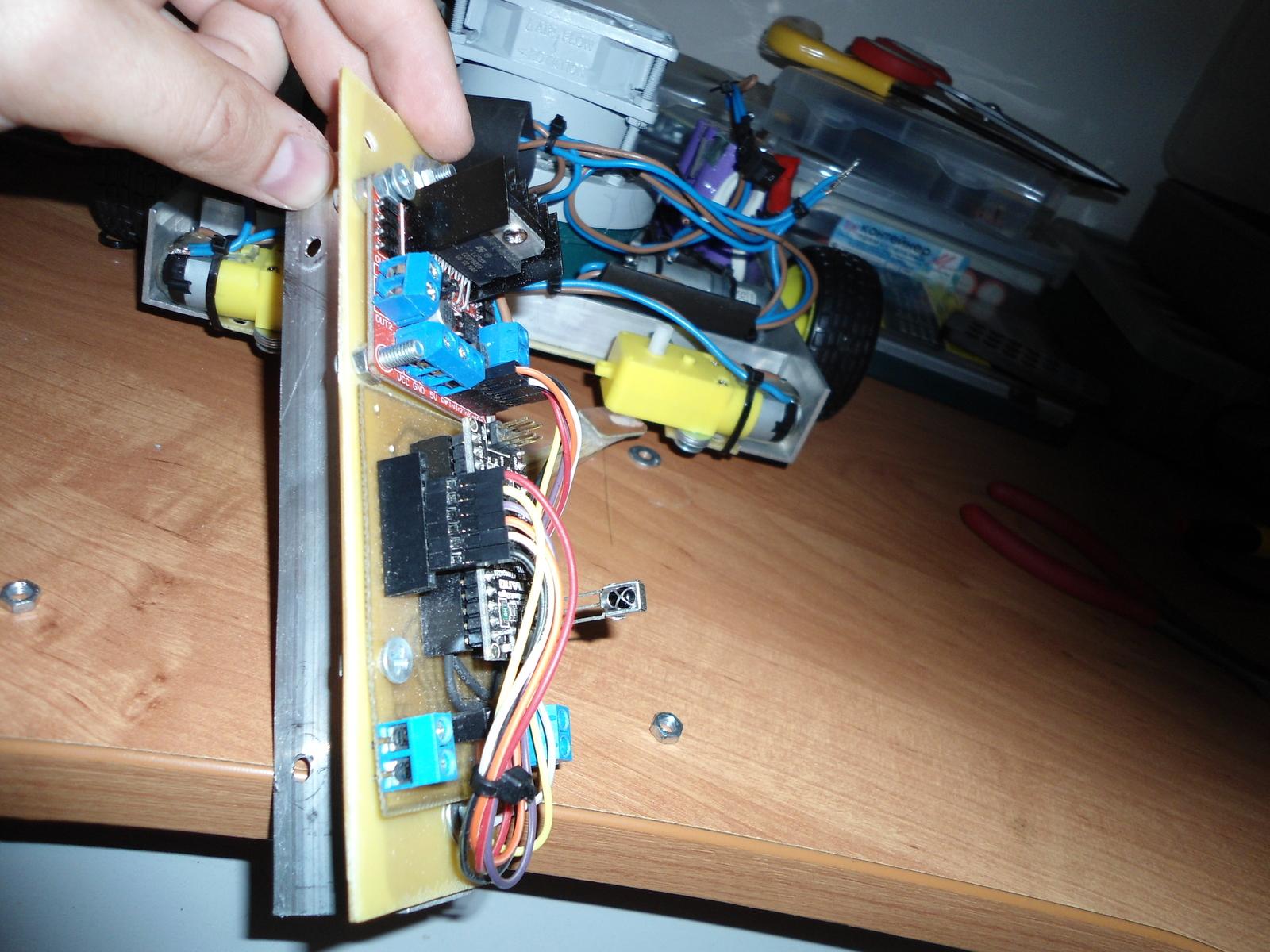Робот пылесос из ардуино своими руками 651