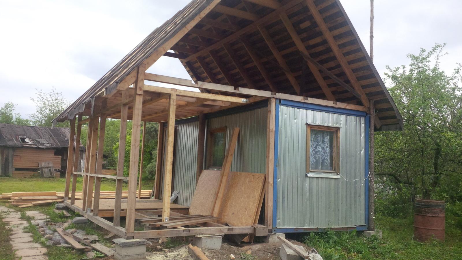 Дачный дом из строительных вагончиков своими руками