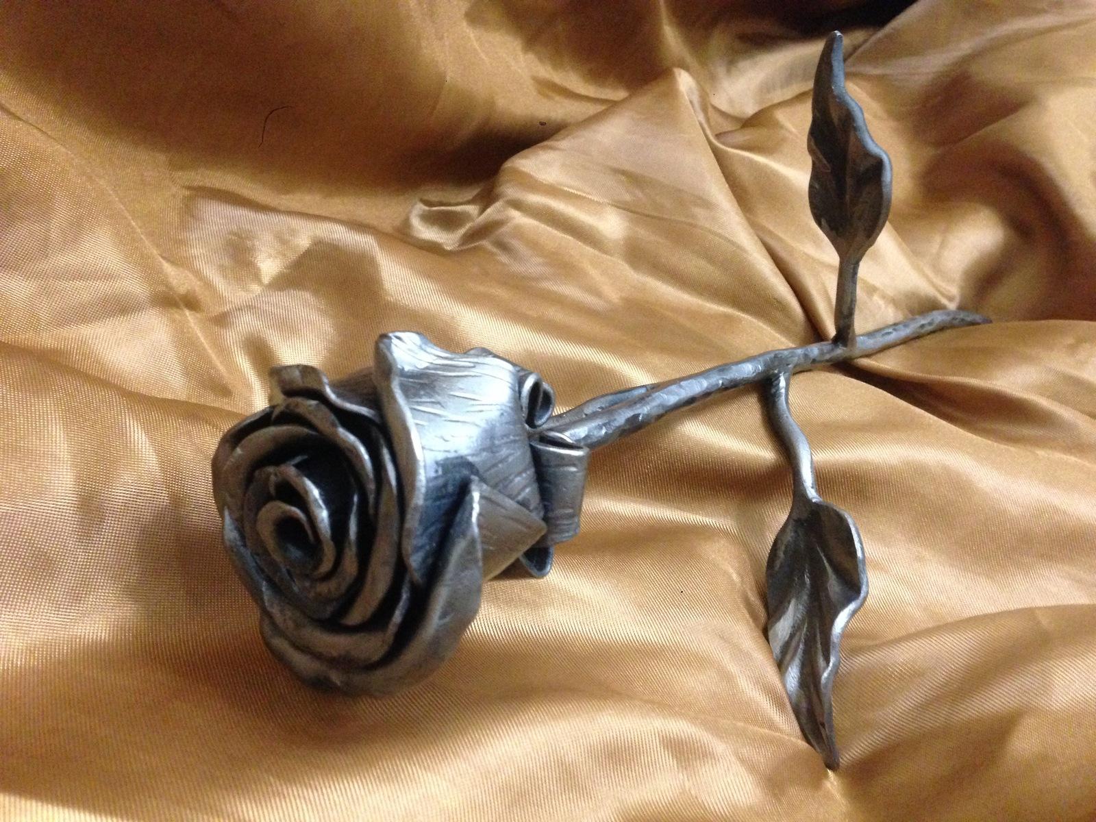 фото кованая роза