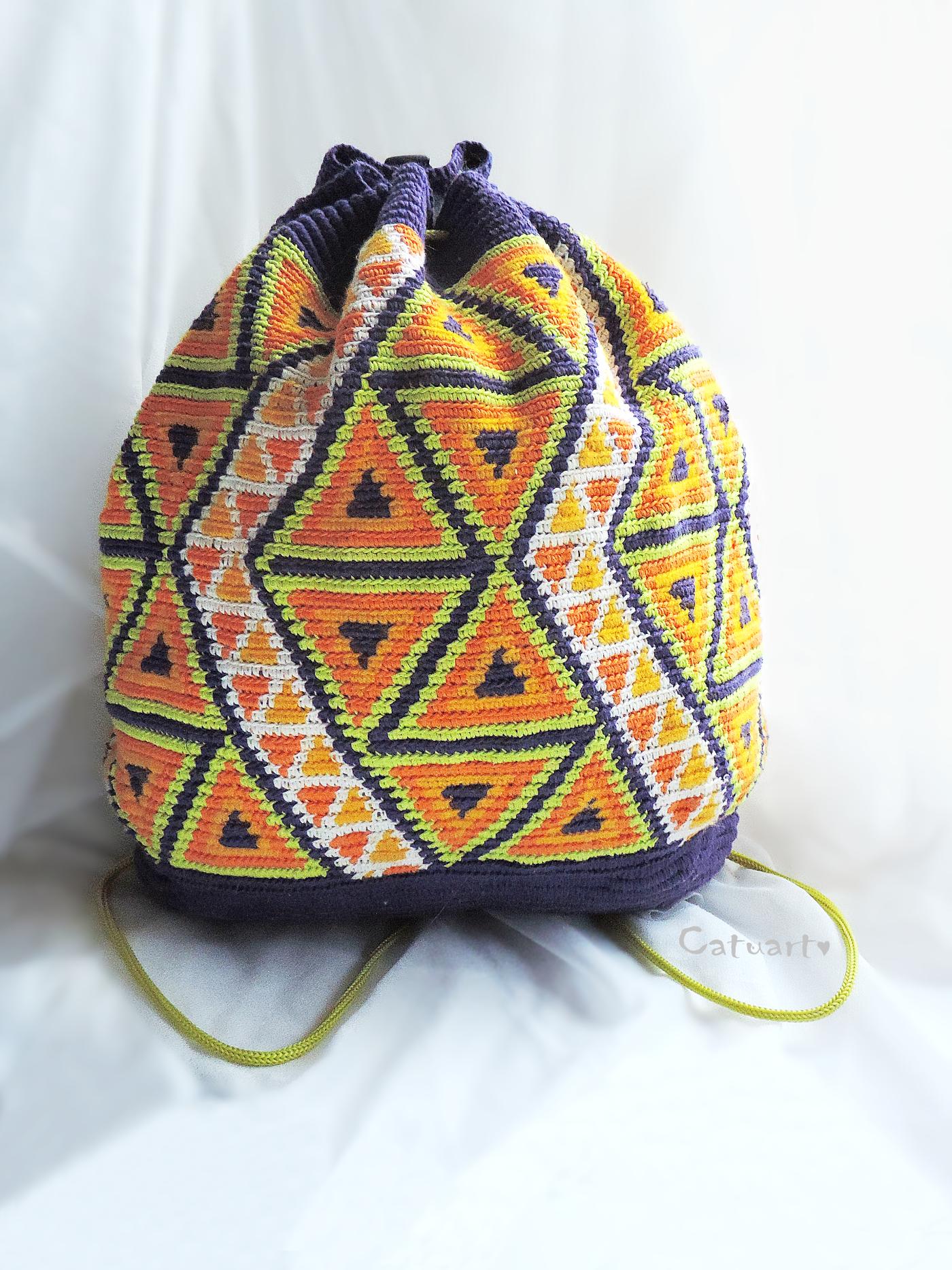вязаный крючком рюкзак в этно стиле